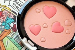 MAC ArchiesGirls Flatter-Me-Pearlmatte-Face-Powder
